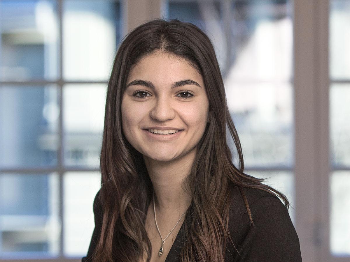Flavia Ribeiro, Haussener AG Bern